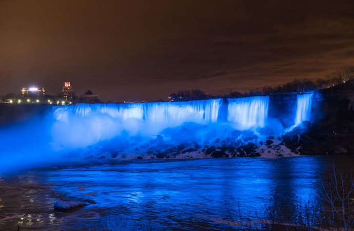 Canada: Niagara Falls unveils new LED-illumination to boost tourist experience