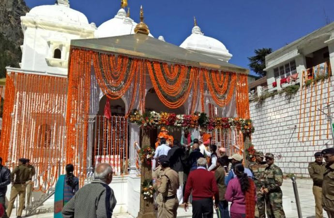 Pilgrims flock to Garhwal Himalayas of Uttarakhand as Char Dham temples open