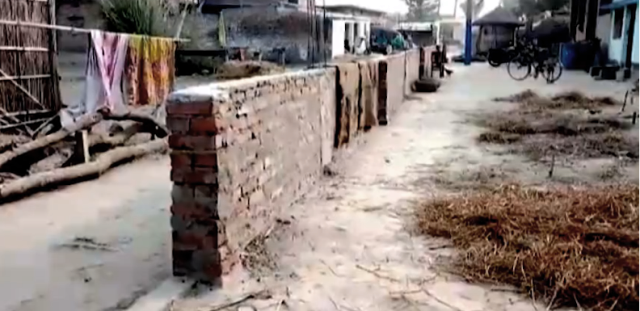 Villagers erect 'Berlin Wall' in the middle of road after brawl in Bihar