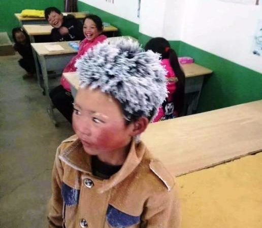 Helps pour in for Chinese boy who went to school with hairs covered with frost