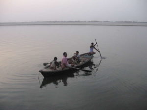 Woman throws newborn baby into Ganga after minor differences with husband
