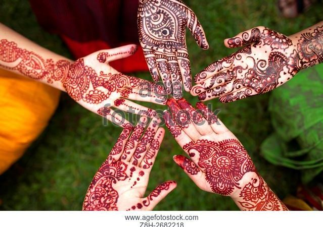 Jharkhand school suspends 90 schoolgirls for applying henna