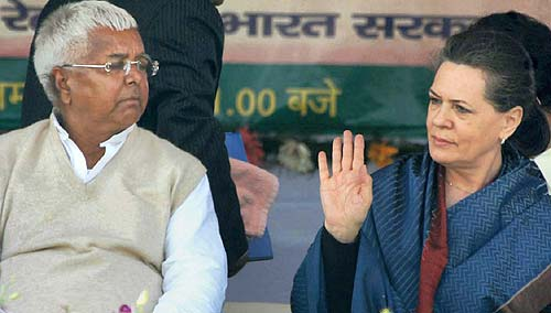 Lalu elated as Congress chief Sonia Gandhi calls him to Delhi for talks next week