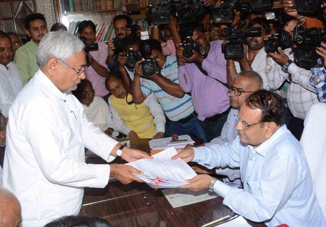 Bihar CM Nitish Kumar, deputy files papers for Legislative Council polls
