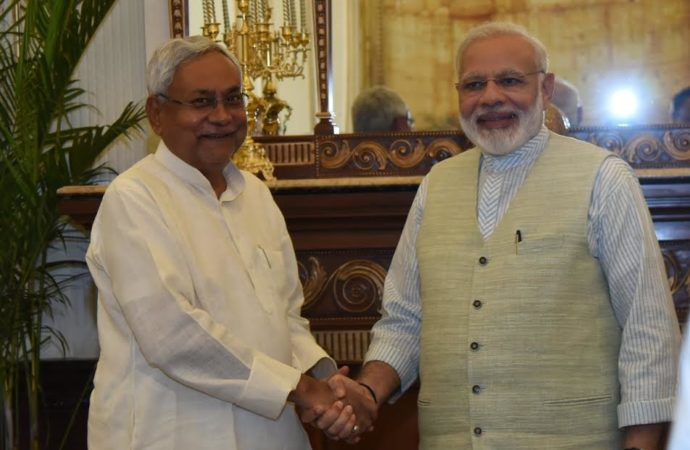 Four years back Nitish dumped BJP citing Modi's 'image', now too eager to befriend him