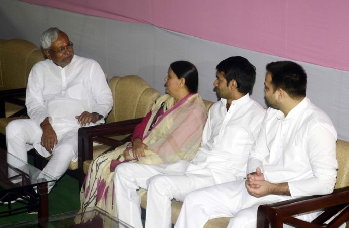 Nitish Kumar learning the 'tricks of the trade' from Rabri Devi?