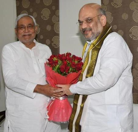Fall of a CM: How Nitish Kumar rushes to meet Amit Shah in guest house