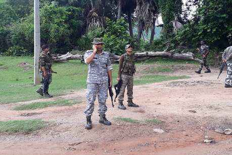 Maoists kill woman for being 'police informer', search on to nab rebels