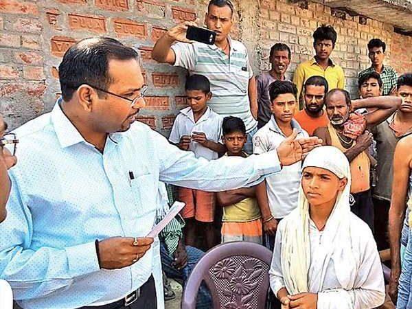 Bihar official rushes schoolgirl's home to stop wedding on her appeal