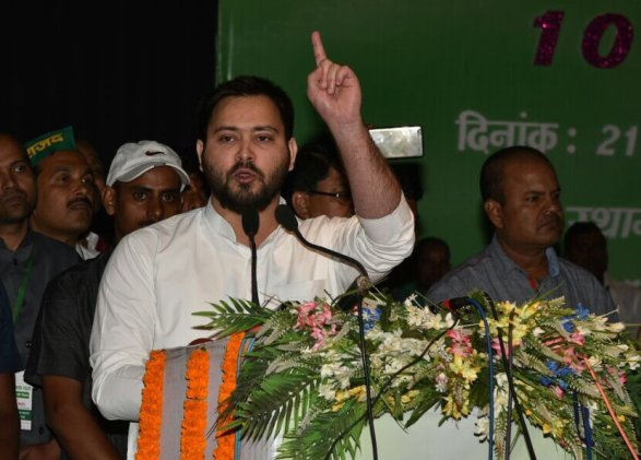 Tejashwi refuses to share space with Nitish Kumar, instead visits slain soldier family
