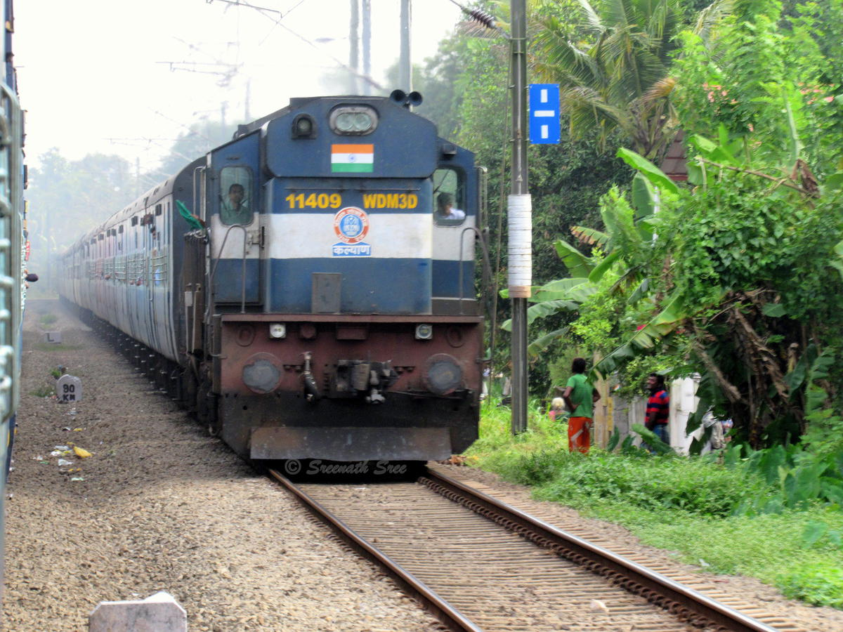 punctuality of trains , train punctuality indian railways, indian railways