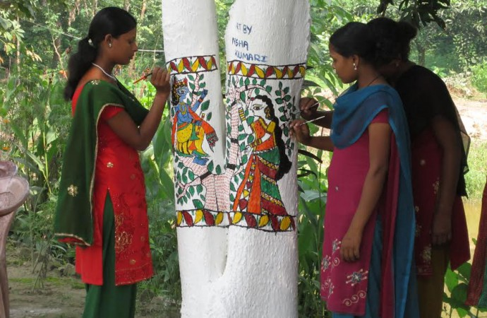 Unique tree painting campaign saves thousands of trees in India's Bihar State