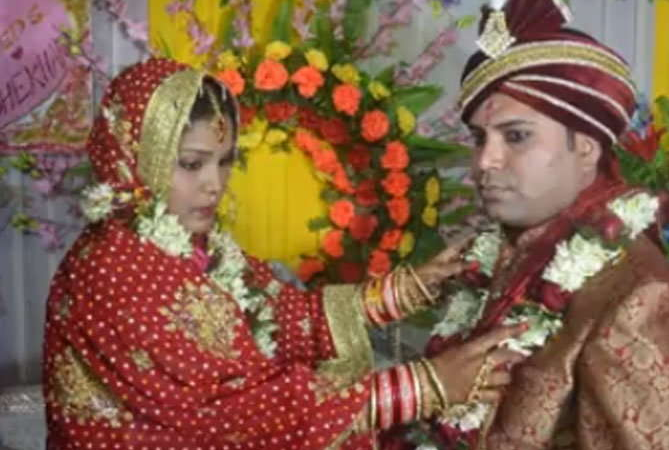 Indian bride elopes with boyfriend just after wedding