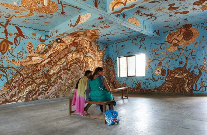 Creativity at its peak: How mud paintings on school walls help children fight poverty and unemployment