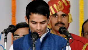 Lalu's son accuses rivals of 'letting out ghosts' in his bungalow, vacates