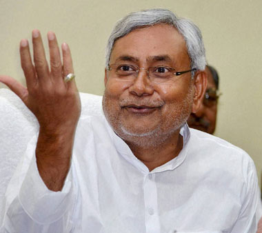 'Poll issues during poll time, no rift in NDA,' claims Nitish as BJP hardens stand