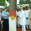 Nitish, Lalu tie 'rakhis' to trees in Bihar