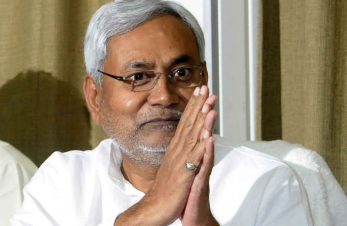 Nitish Kumar gets award for 'probity in politics and public life', Tejashwi taunts