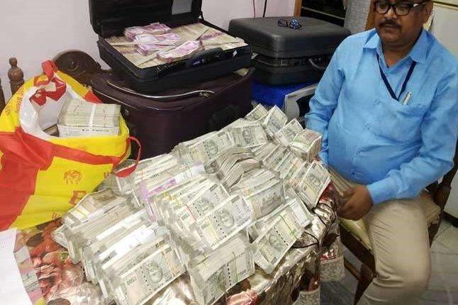 Jharkhand corruption, corruption cash Jharkhand, arrested corrupt officials Jharkhand, corruption in jharkhand