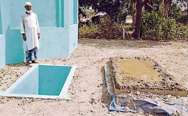 Bihar villager digs out grave for himself close to his mother's tomb