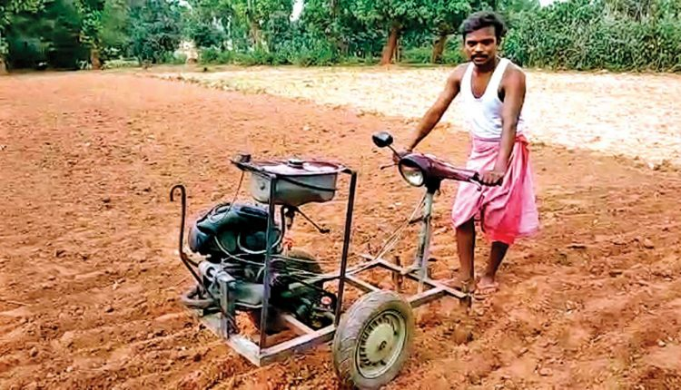 Jharkhand villager converts scooter scrap into low-cost plough