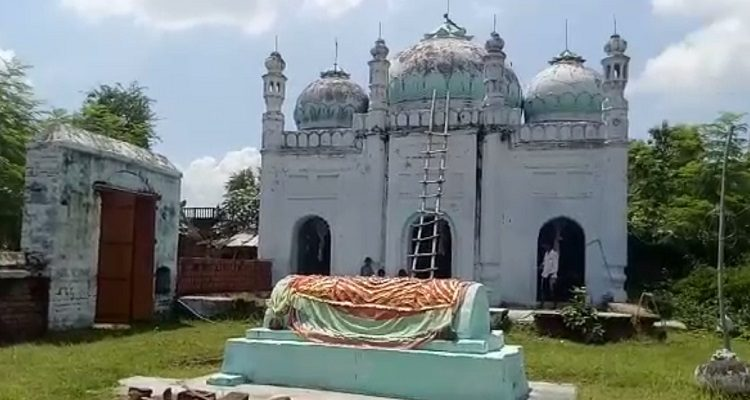Hindus conduct azan at Mosque in Bihar, Hindus conduct azan in Nalanda mosque, Historic Bihar mosque where Hindus conduct five-time azan, Nalanda mosque sets example of communal harmony, Hindus take care of masjid in Bihar's Nalanda