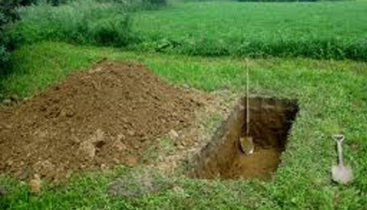 buried in backyard, Bhagalpur, Bihar, lockdown
