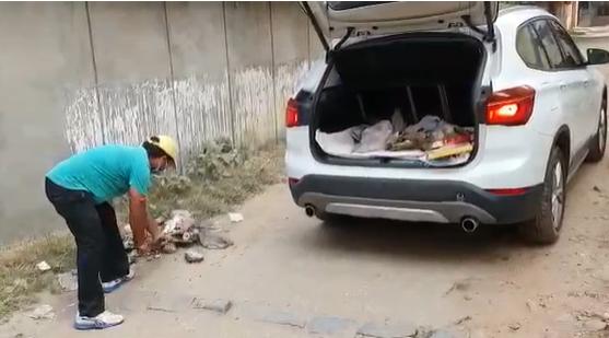BMW, garbage van, BMW car troubles, BMW dealer, Jharkhand, Ranchi, Jharkhand Odd News