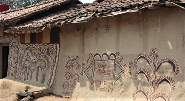 tribals, eco-friendly housing, house painting, tribal housing policy, S Narayan, Society for empowerment, Bihar,
