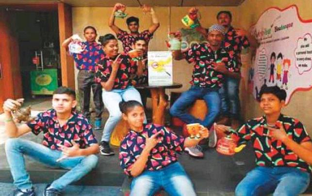 Cafe, HearingImpaired, Jamshedpur, Jharkhand, CafeLaGravitea